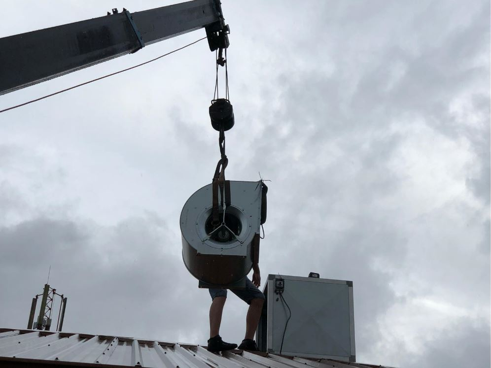 montage nieuwe ventilatorkast en ventilator paramaribo